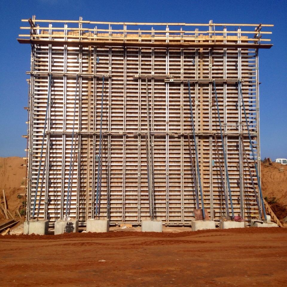 תבניות בטון מתועשות לעמודים
